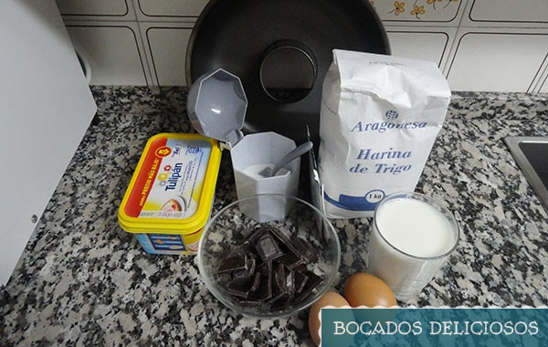 ingredientes para hacer el bizcocho de chocolate