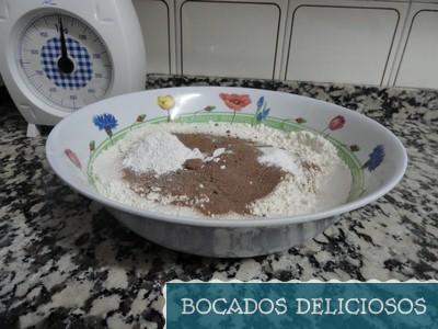 mezcla de harina bicarbonato levadura y cacao