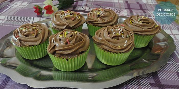 Cupcake con crema de chocolate