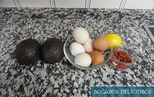 ingredientes huevos rellenos de aguacate