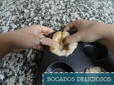 moldeamos el pan para hacer la cesta