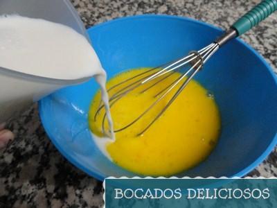 batir huevos junto con leche