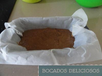 Incorporamos la mezcla con chocolate en el molde