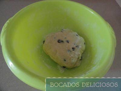 Masa homogenea para las galletas con chocolate